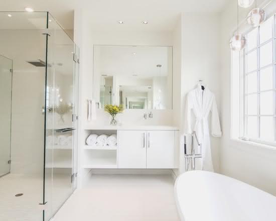 50 Banheiros Brancos e Claros para o seu Projeto -> Gabinete De Banheiro Due Branco Tomdo