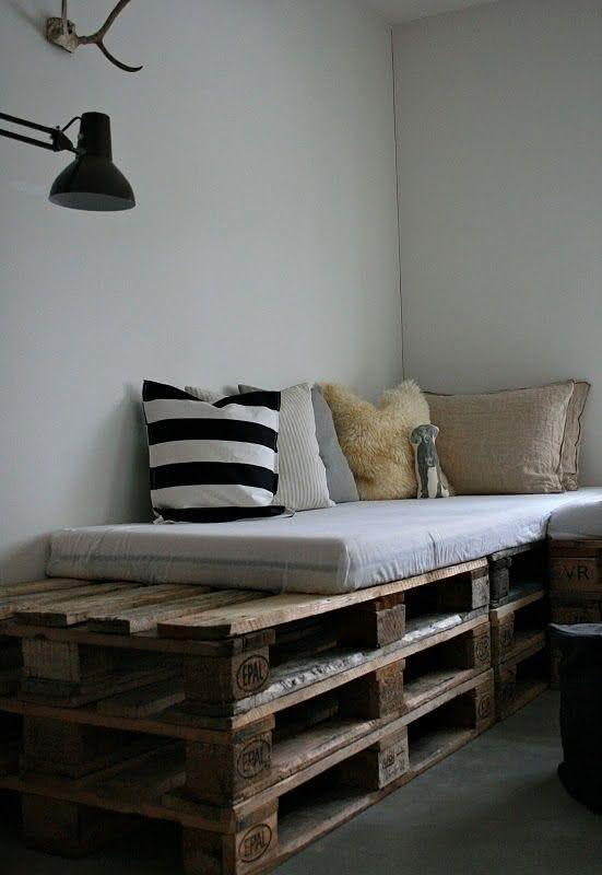 Sofá com três pallets