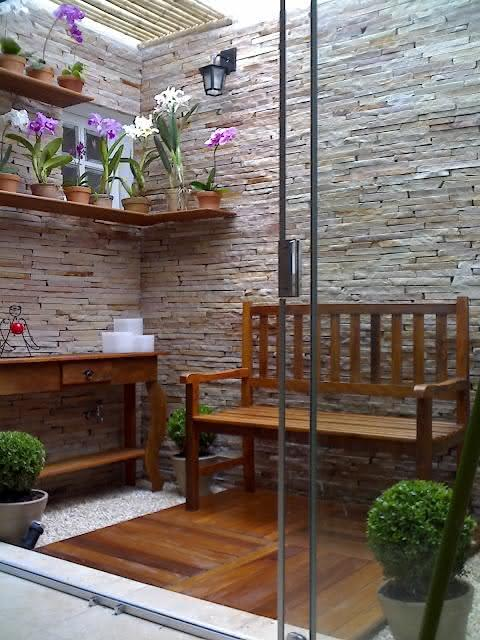 deck em jardim pequeno : deck em jardim pequeno:50 Jardins Pequenos Incríveis para Casas e Apartamentos