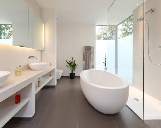 50 Banheiros Brancos e Claros para o seu Projeto -> Banheiros Modernos Claros