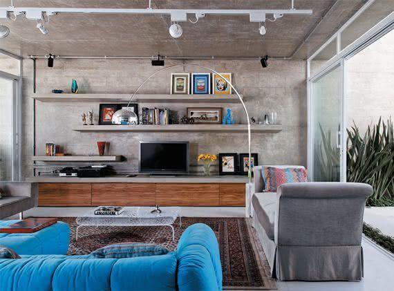 45 – Abajur metálico para uma sala de estar em cimento queimado
