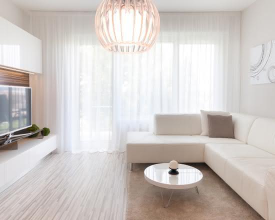 50 ambientes com cortinas modernas e elegantes fotos for Cortinas de sala modernas 2016