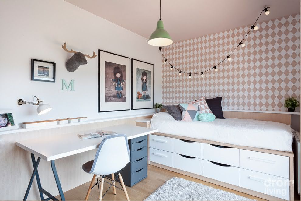 Decoração de quarto de adolescente com tons pastéis.