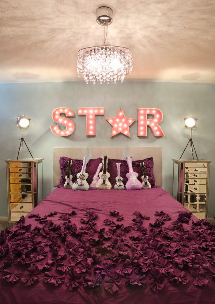 Proposta de quarto para moças fãs de rock e música