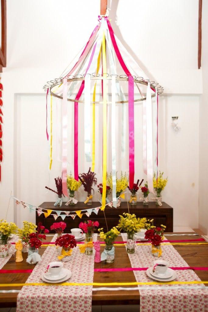 Fitas coloridas para decoração de festa junina