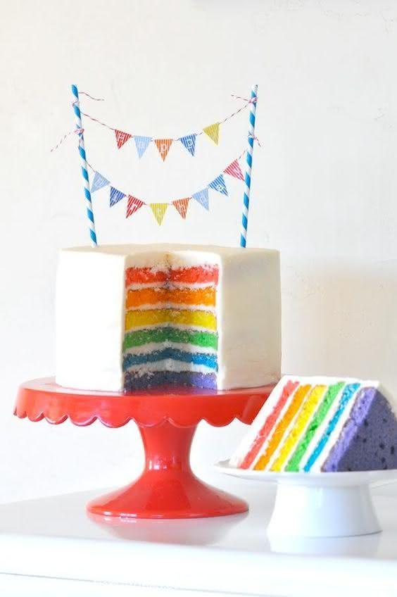 Decoração de festa junina: bolo de camadas