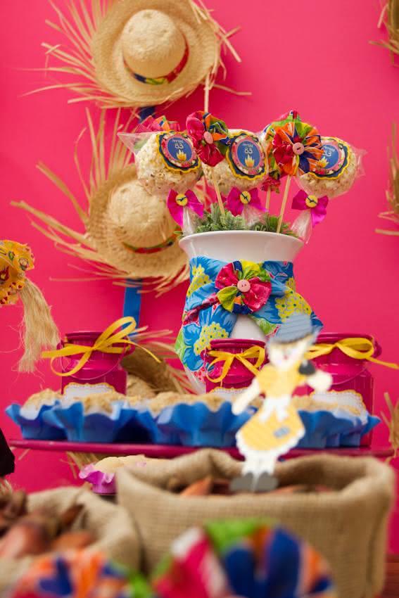 Decoração de festa junina feminina e poderosa