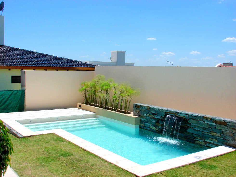 90 piscinas pequenas modelos projetos fotos lindas for Modelos de piscinas para casas modernas