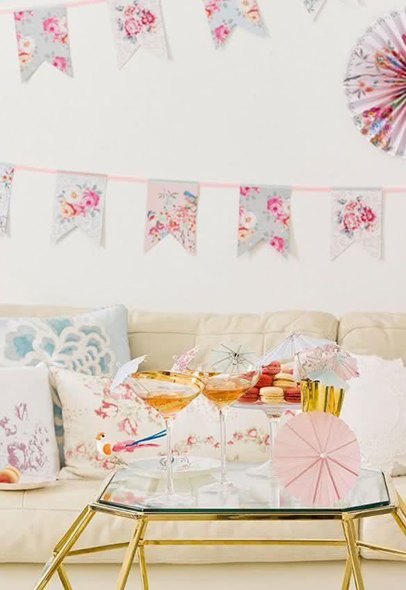 A cartela candy color é delicada e feminina e cai como uma luva no chá de cozinha!