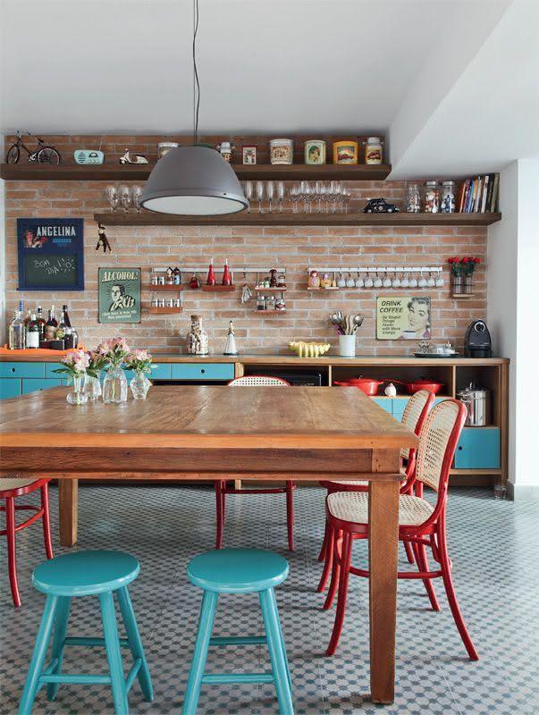 Banqueta para cozinha básica com pintura azul