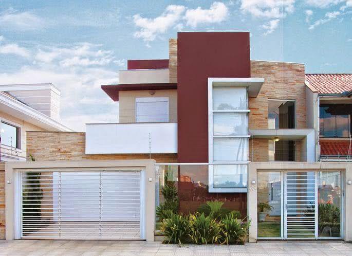 Portão residencial com grade e detalhe em vidro