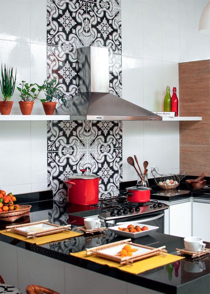 50 cozinhas com azulejos inspiradores para seu projeto - Fotos en azulejos ...