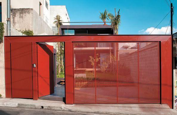 Portão residencial vermelho