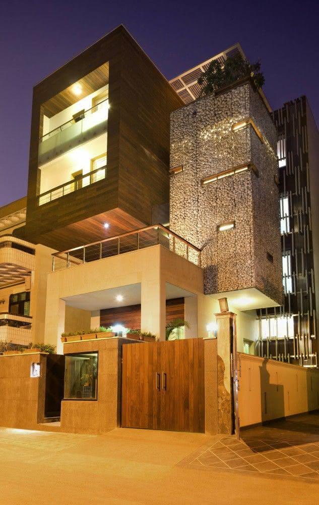 """Portão residencial com sistema de """"abrir"""""""