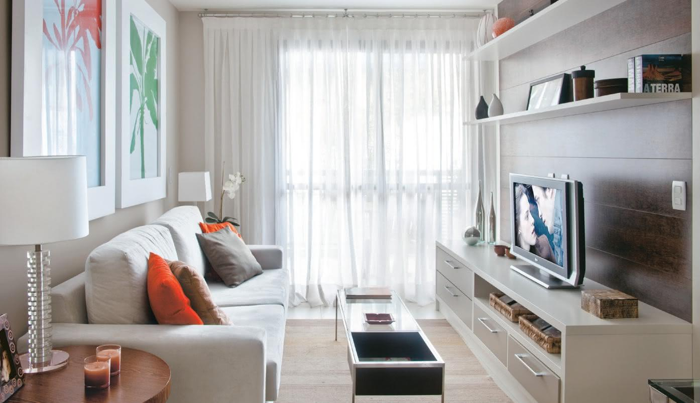 65 salas de tv pequenas decoradas para voc se inspirar - Cortinas interiores casa ...