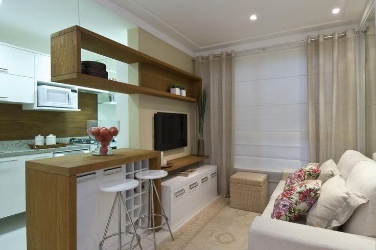 Projeto Para Sala Pequena ~ Imagem 78 – Sala de estar pequena com nicho saindo da coluna