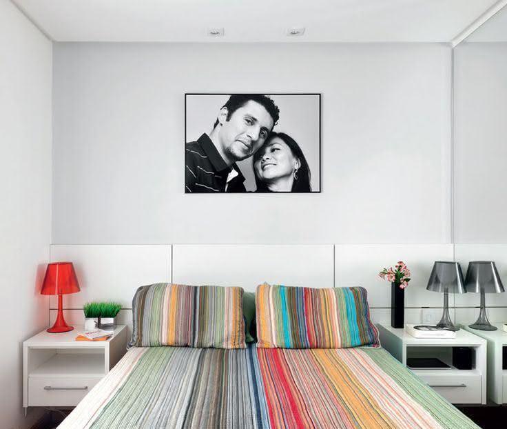 95 quartos de casal pequenos e simples decorados for Quadros dormitorio