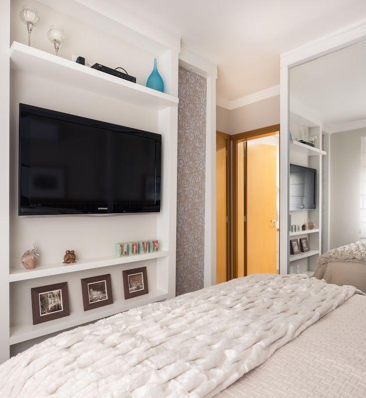 95 quartos de casal pequenos e simples decorados for Soluciones apartamentos pequenos