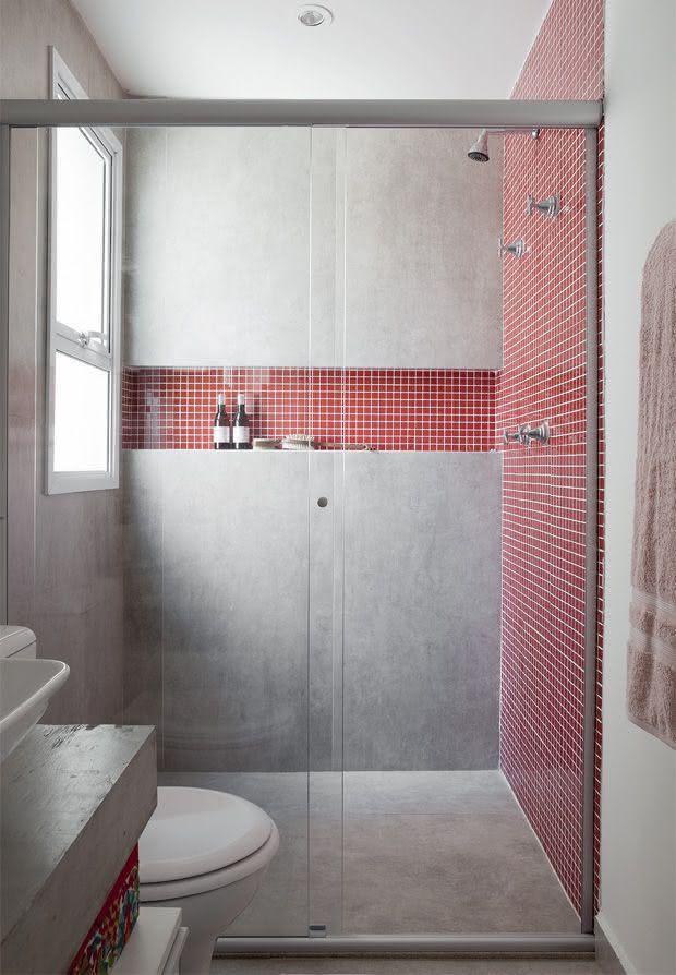 100 Banheiros Simples e Pequenos Inspiradores  Fotos -> Banheiro Com Pastilha Vermelha E Branca