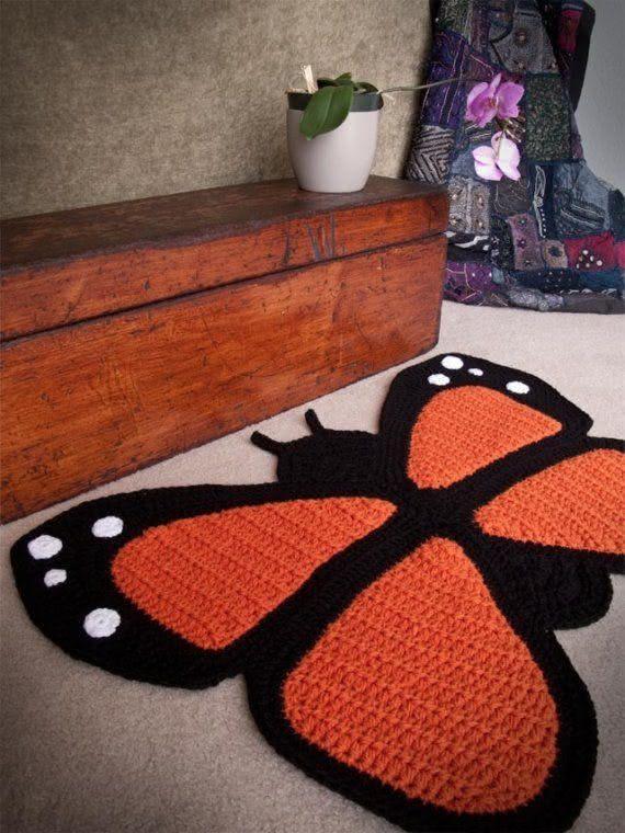 Tapete de crochê com formato de borboleta
