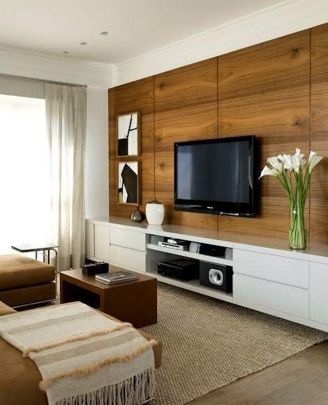 Sala De Tv Com Rack ~ Imagem 4 – Tapete azul na sala de estar com decoração colorida