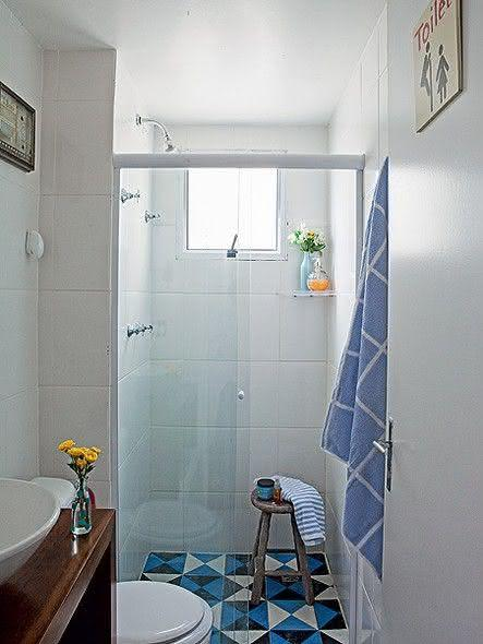 #443590 100 Banheiros Simples e Pequenos Inspiradores Fotos 443x590 px decoração para banheiros pequenos e simples