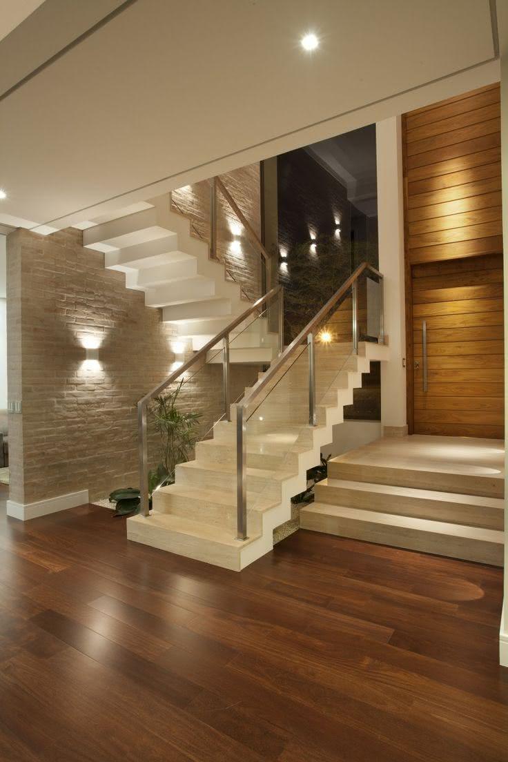 50 ambientes com m rmore travertino como revestimento for Pisos de travertino rustico