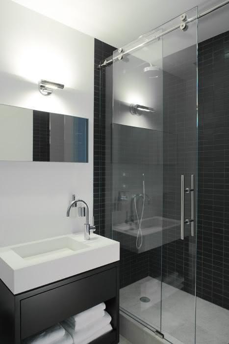 decoracao banheiro pequeno preto e branco:75 Banheiros Simples e Pequenos Inspiradores – Fotos