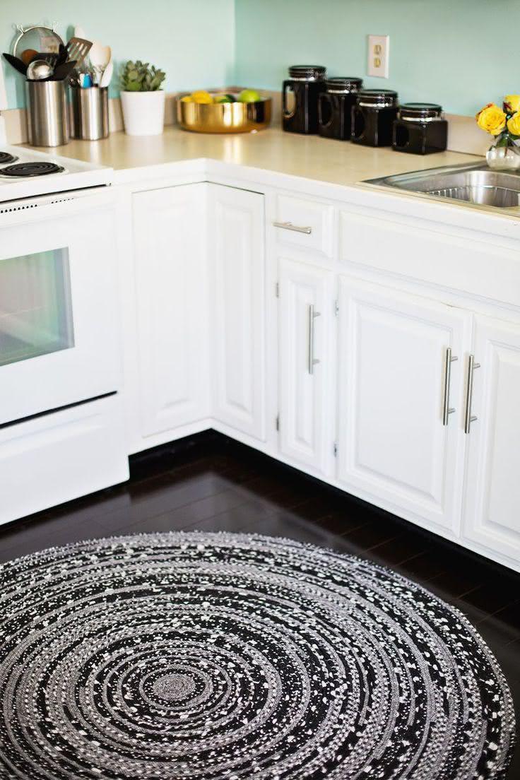 Tapete de crochê para cozinha escuro