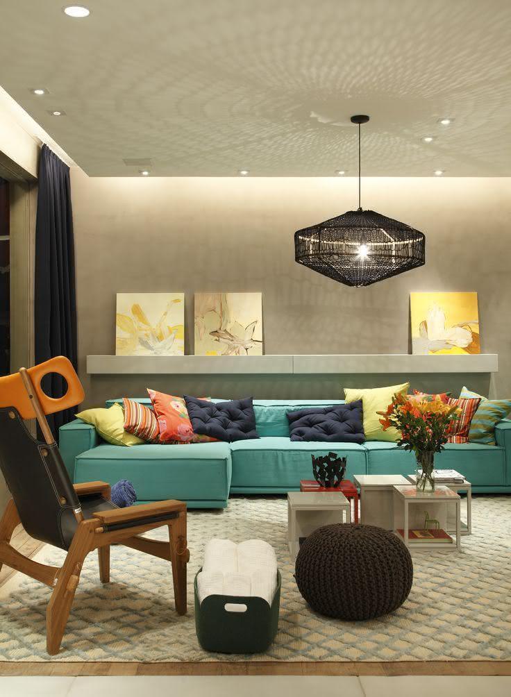 Sala De Estar Com Detalhes Amarelo ~  35 – Tapete com desenho de losango em tom suave na sala de estar