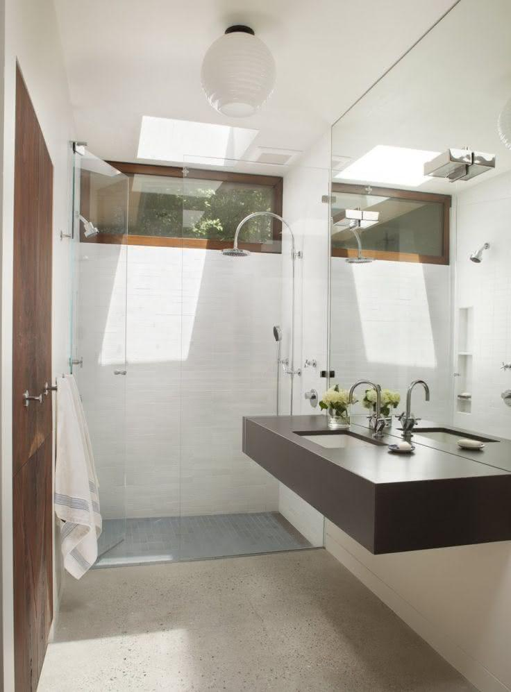 100 Banheiros Simples e Pequenos Inspiradores  Fotos -> Banheiro Simples Com Banheira E Chuveiro