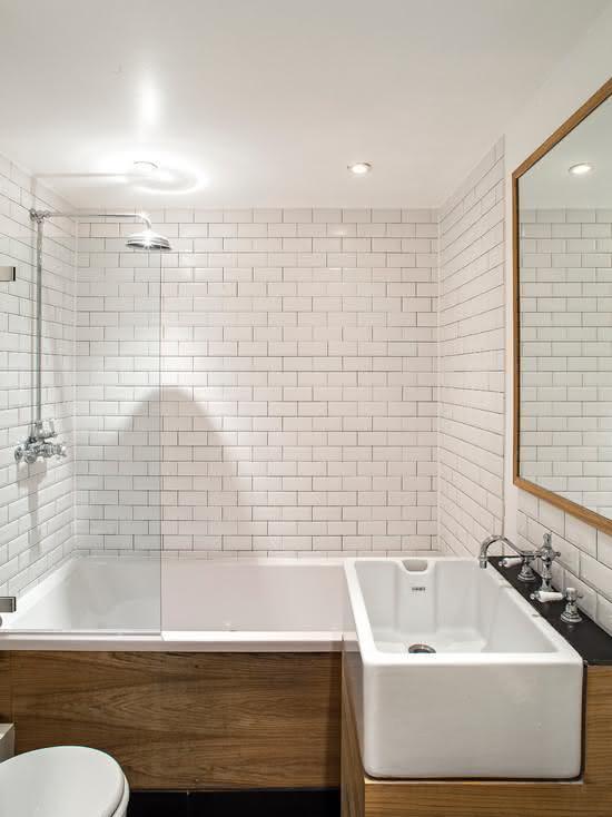 100 Banheiros Simples e Pequenos Inspiradores  Fotos -> Banheiro Pequeno Com Hidro E Chuveiro