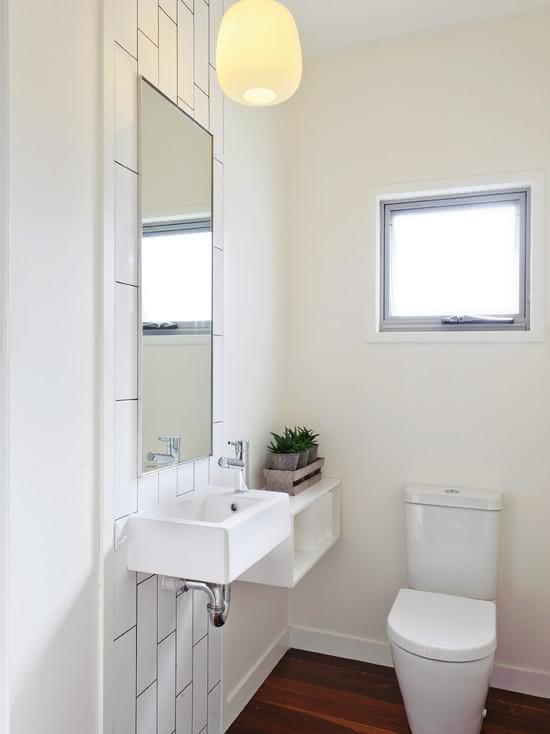 100 banheiros simples e pequenos inspiradores fotos for Half bathroom designs for small spaces