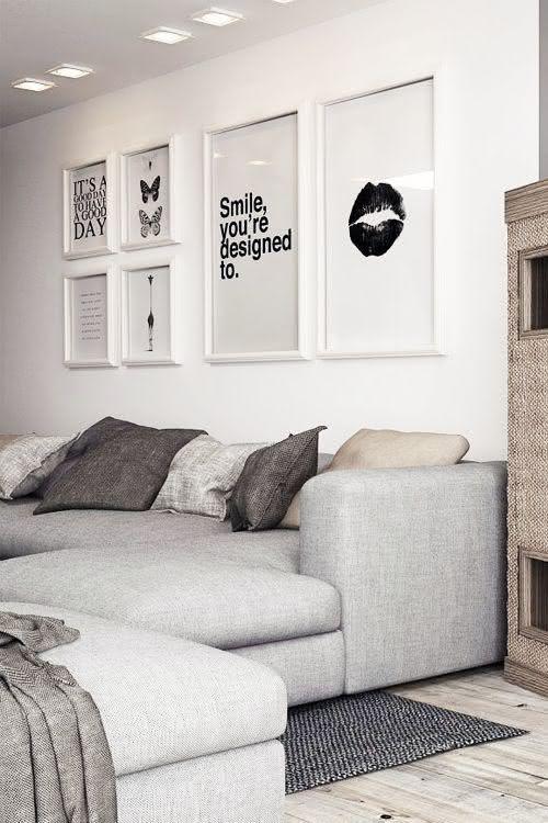Quadros Para Sala De Estar Simples ~ Imagem 46 – Quadros em paredes diferentes na sala de estar