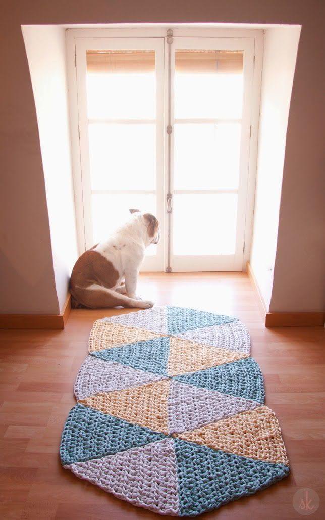 Tapete de crochê com desenho triangulares