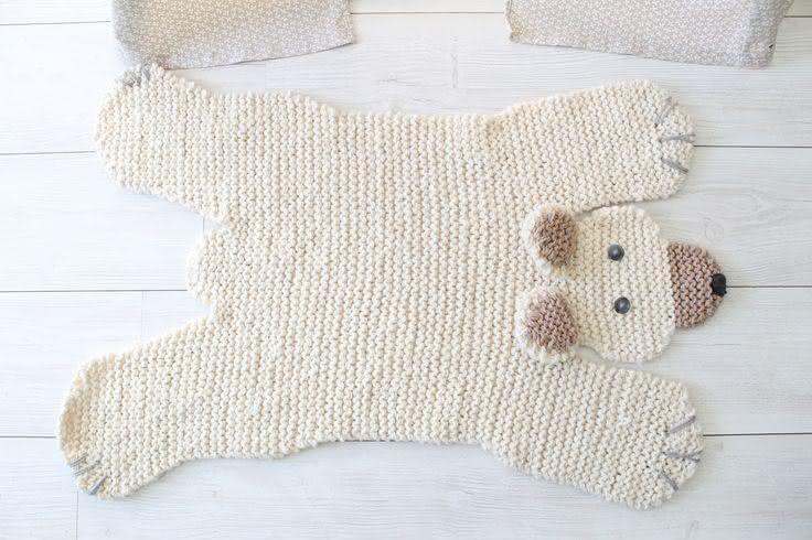 Tapete de crochê em forma de urso