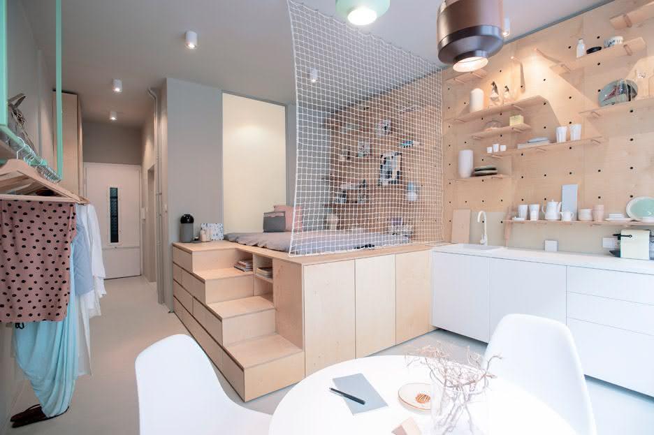 Projeto minimalista de um estúdio para casal