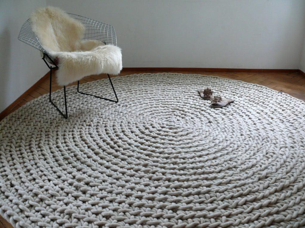 A linha mais grossa deixa o tapete mais confortável