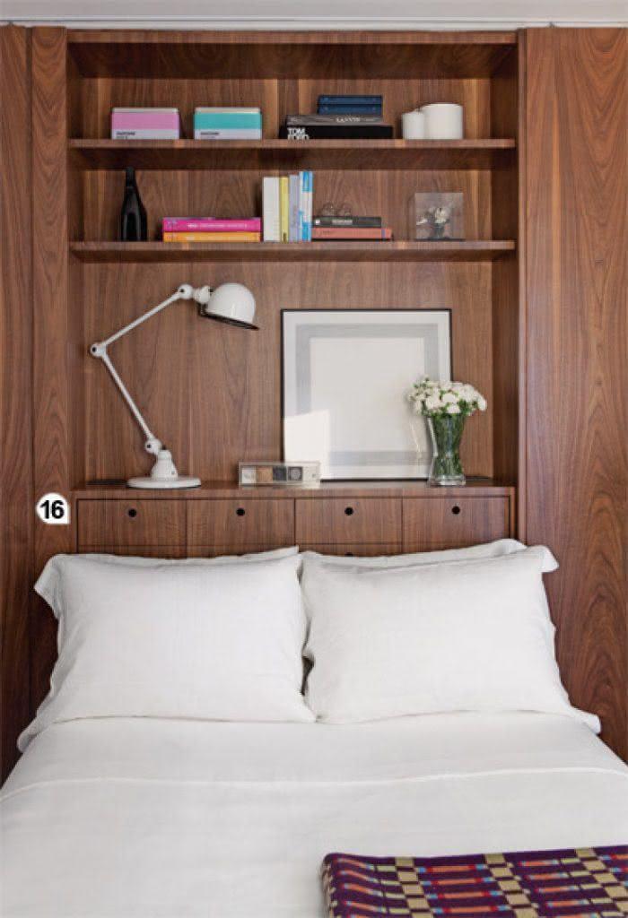 Projeto com cama apoiada no móvel