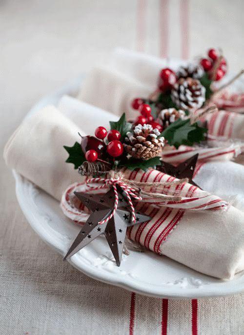 Mesa de Natal com porta guardanapos decorado