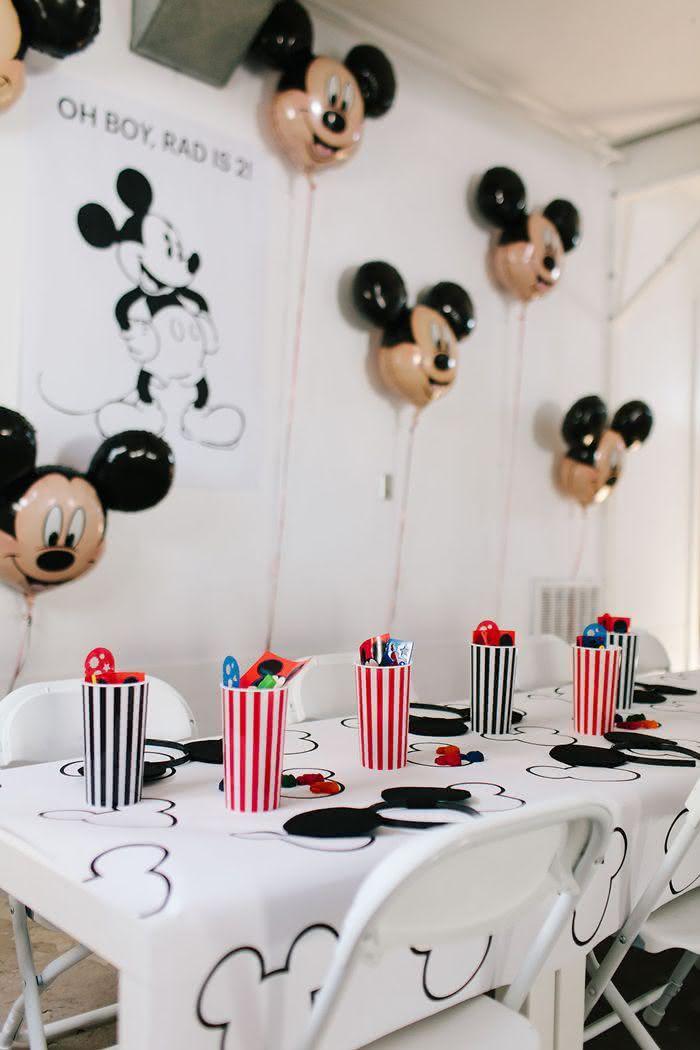Os balões decoram e preenchem bem o ambiente!