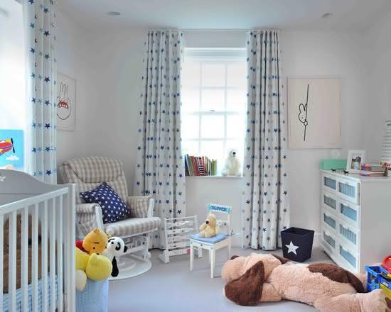 imagem u cortina com acabamento de tecido na parte superior para quarto de beb