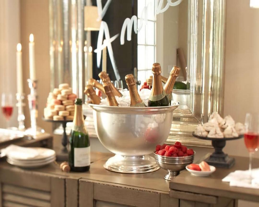 Como organizar a mesa de espumante no Reveillon