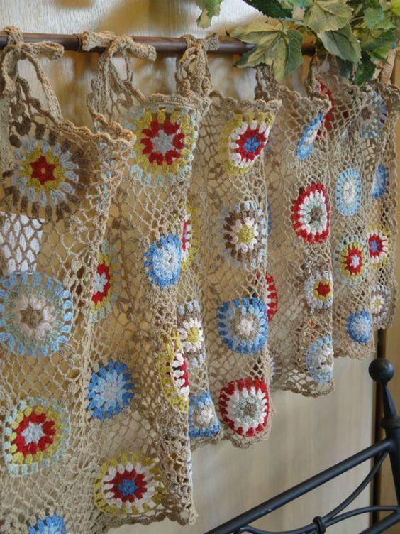 Free Crochet Pattern Flower Curtain : 95 Modelos de Cortinas de Croch? e Passo a Passo