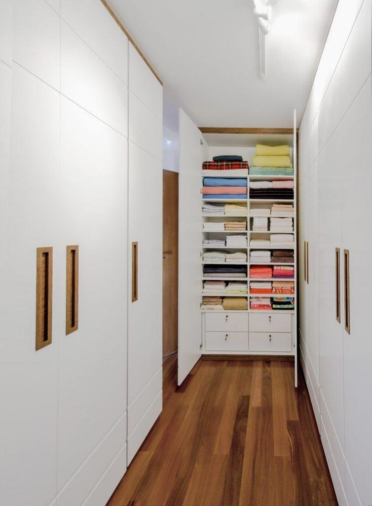 Insira armários em todos os cantos seguindo as regras de circulação e tamanho.