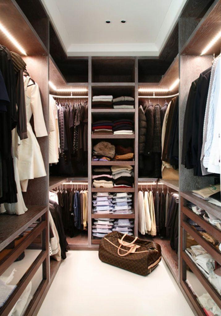 Coloque iluminação dentro do armário.