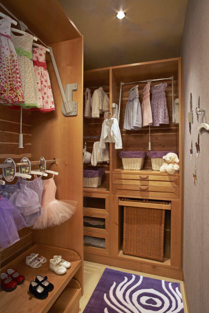 Closet infantil pequeno.