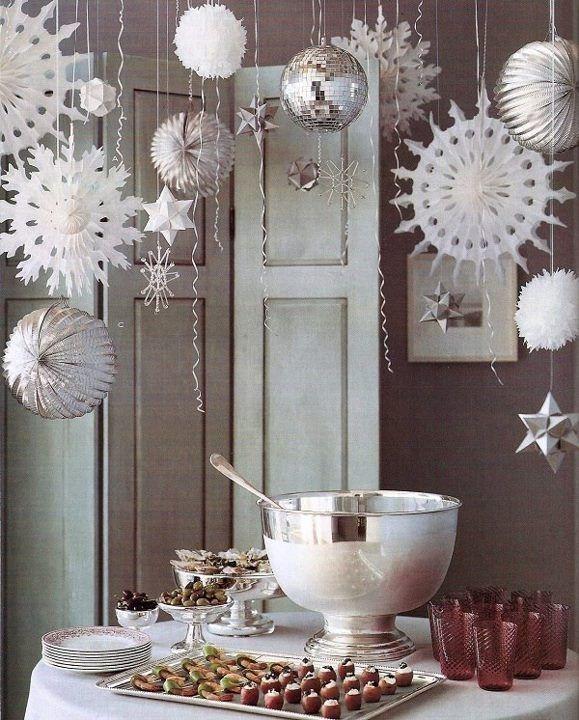 Decoração branca e prata para festa de Reveillon