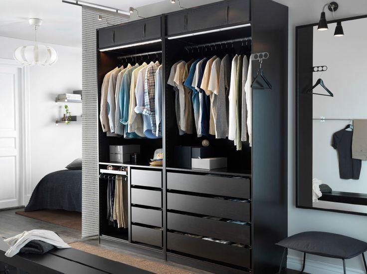 O projeto para um armário pequeno, é necessário muitas gavetas para ganhar espaço para roupas.