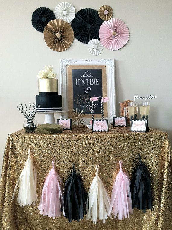 Decoração rosa, preto e dourado para festa de Reveillon